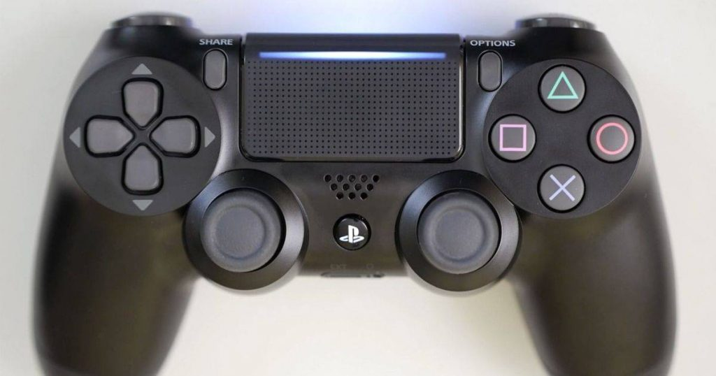 Top 5 playstation 4 controllers of 2018 smart mash one thing i particularly love about the dualshock 4 is the light bar that appears on the top of the touchpad as well as under the triggers aloadofball Choice Image